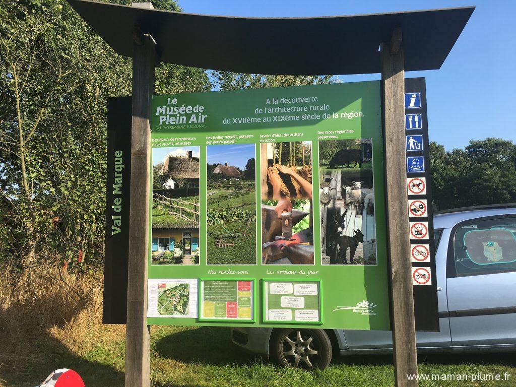 musee-de-pleine-air-le-festin-des-chevalier-panneaux-presentation