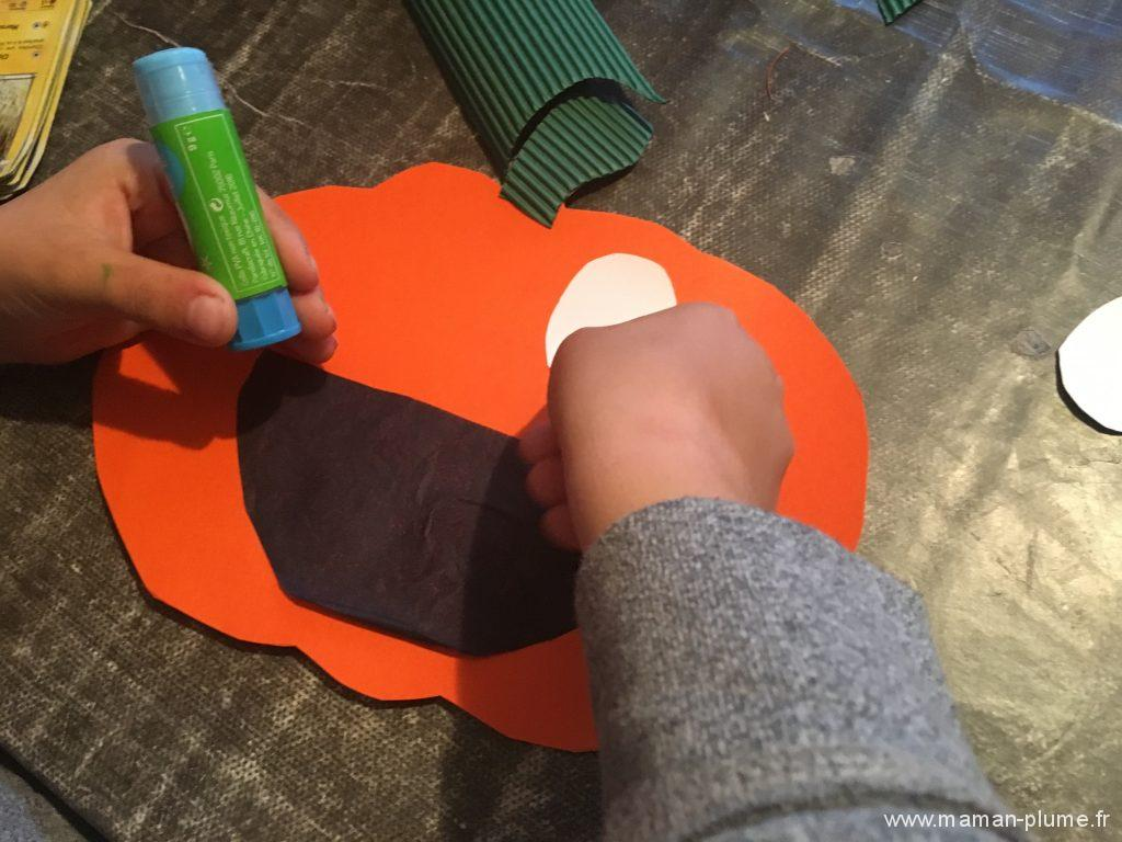 diy-halloween-citrouille-qui-on-le-smile-collage-yeux