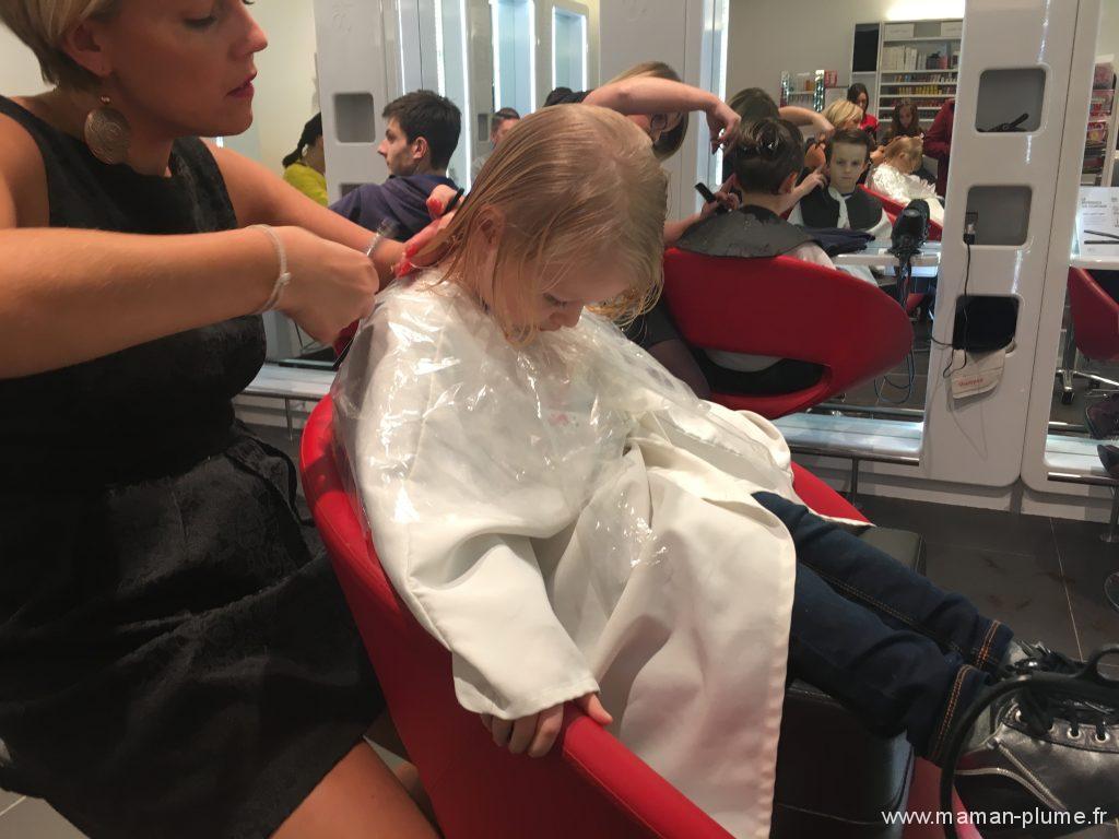 premiere-coupe-cheveux-au-coiffeur-blog-maman-lille