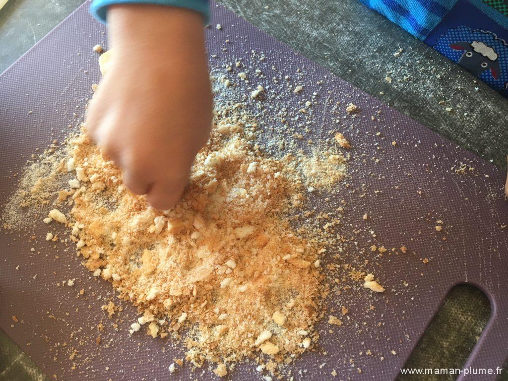 recette-enfant-le-tiramisu-framboise-danonino-poudre