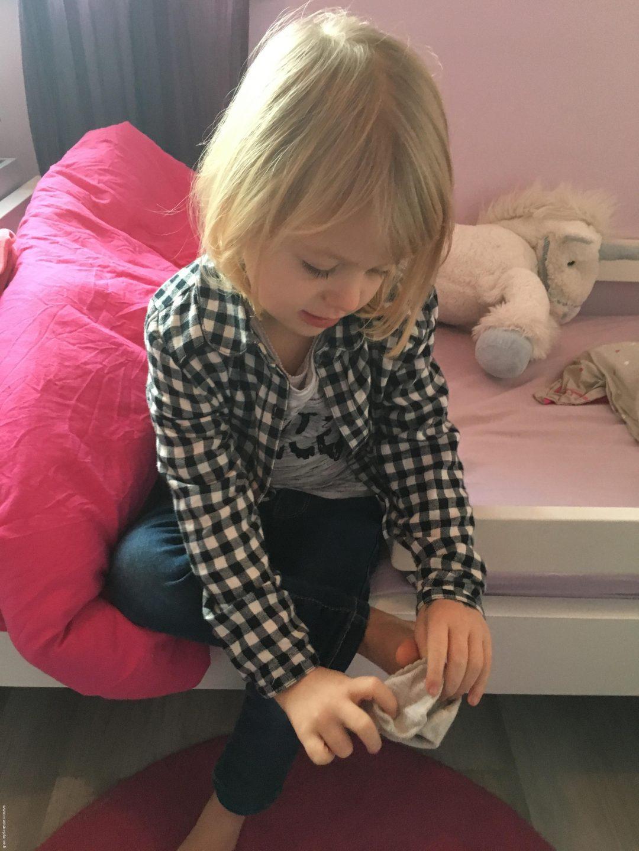 Ma fille s 39 habille enfin seule le blog de maman plume - Habiller des filles gratuit ...