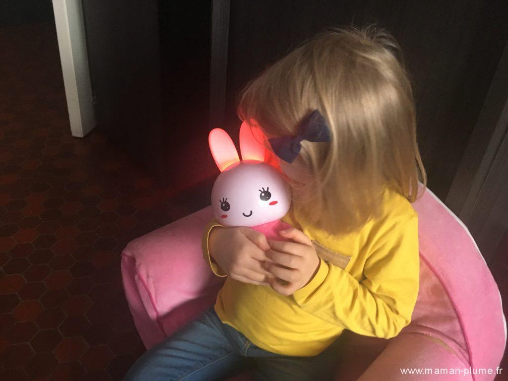 Alilo Honey Bunny, un lapin veilleuse pas comme les autres !