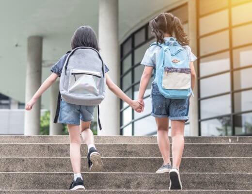 Astuce pour alléger les cartables de nos enfants